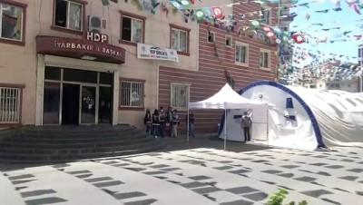 HDP önündeki ailelerin evlat nöbeti 320'nci gününde