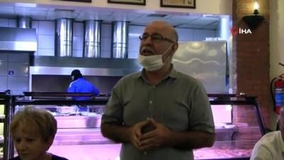 Özkan'dan Karacabey Belediyespor'a şampiyonluk yemeği
