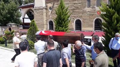 Cumhuriyet tarihinin ilk öğretmenlerinden Mukime Furatoğlu, vefat etti