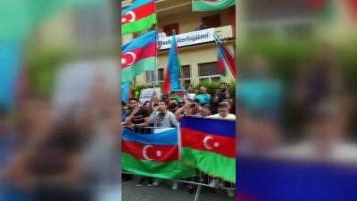 protesto - Çekya'da Azerbaycan ve Türkiye Türklerinden Ermenilere karşı protesto - PRAG