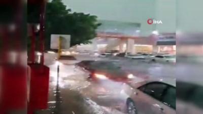 - Suudi Arabistan'ın Taif şehrini sel vurdu
