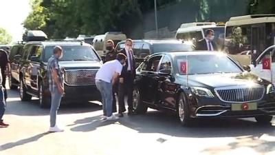 Cumhurbaşkanı Erdoğan, Tarabya'daki minibüsçülerle sohbet etti - İSTANBUL