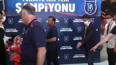 Medipol Başakşehir'in şampiyonluğu - Teknik direktör Okan Buruk - İSTANBUL