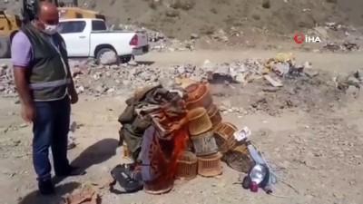 kacak avci -  Keklik avlamada kullanılan kafesler yakılarak imha edildi