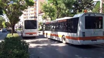 Satırla saldırılan otobüs şoförü ölümden kıl payı kurtuldu