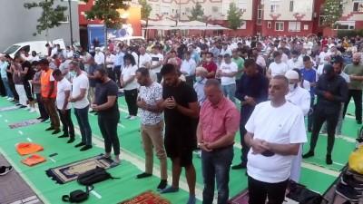 Balkanlar, Kovid-19 gölgesinde bir bayramı daha karşıladı - TİRAN