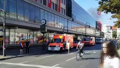 """saldiri -  - Berlin'de bankaya """"biber gazlı"""" saldırı - Maskeli soyguncular AVM içerisinde bulunan banka şubesine biber gazıyla saldırdı"""