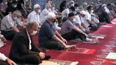 seccade - Mersin'de Kurban Bayramı namazı