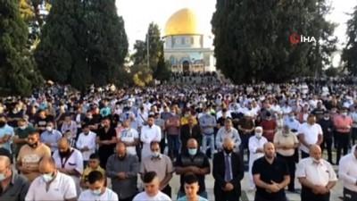 - Mescid-i Aksa'da Kurban Bayramı namazı kılındı