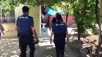 Rahme teyze, polisin hediye ettiği kurbanı gözyaşlarıyla kestirdi