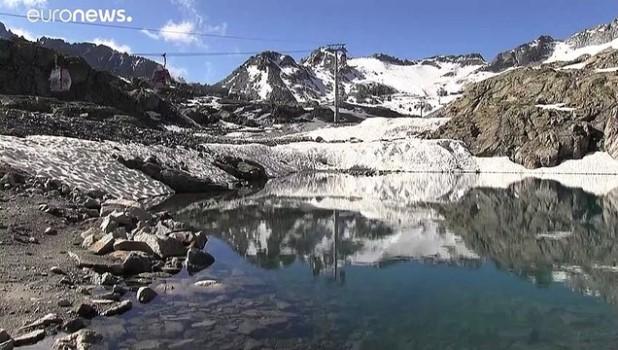italyan - İtalyan Alpleri'nde pembe kar şaşkınlığı