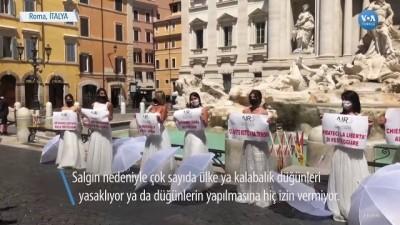 İtalya'da Düğün Yapamayan Gelinlerden Protesto