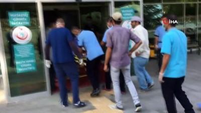 hastane -  Konya'da işçileri taşıyan hafif ticari araç takla attı: 4 yaralı
