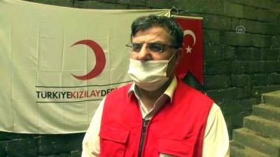 Türk Kızılay, hayırseverlerin katkısıyla Diyarbakır'daki ihtiyaç sahiplerine kurban eti dağıtıyor