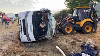 direksiyon -  Muğla'da işçileri taşıyan minibüs devrildi:1 ölü, 12 yaralı