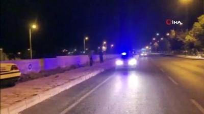direksiyon -  Otomobil takla attı: 2 yaralı