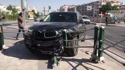 direksiyon -  Sürücüsünün direksiyon hakimiyetini kaybettiği cip bariyerlere çarptı