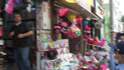 Temizliği bahane edip maske takmayan esnafa çocuk zabıtadan tepki: Temizlik bahane değil maskenizi takın