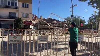 Ağır hasarlı bina yıkım esnasında çöktü - MALATYA