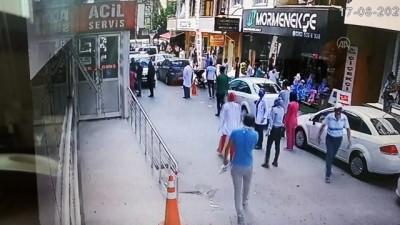 Hasta yakınlarının saldırdığı başhekim ve güvenlik görevlisi yaralandı - KOCAELİ