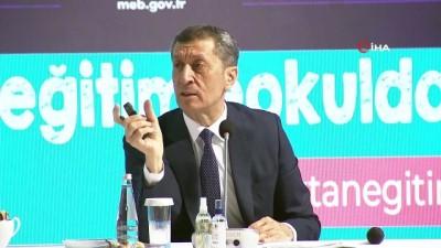 Milli Eğitim Bakanı Selçuk: 'Hiçbir tedirginlik yaşamıyor, hiçbir eksiklik hissetmiyoruz'