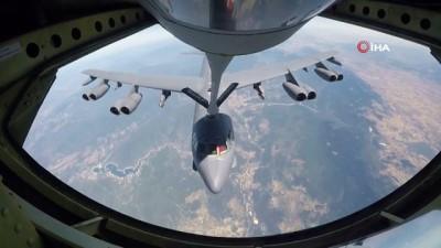 Türk uçaklarından ABD B-52'sine havada destek