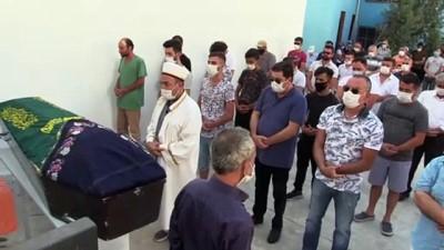 Batan teknede hayatını kaybeden kadın toprağa verildi - İZMİR