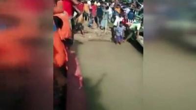 ogretmenler -  - Bangladeş'te tekne alabora oldu: 17 ölü