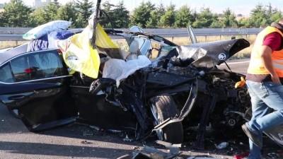 cenaze araci - Otomobil tıra arkadan çarptı: 3 ölü, 1 yaralı - BOLU