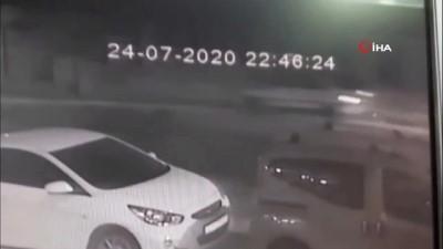 Pendik'de feci kaza kamerada: 1 yaralı