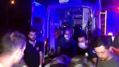 Bursa'da otomobil ikiye bölündü...Can pazarında 2'si ağır 5 yaralı