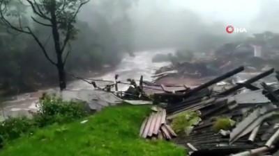 kurtarma operasyonu -  - Hindistan'da sel felaketi: 5 ölü