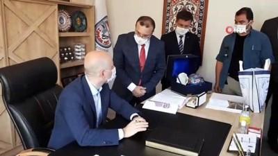 sivil toplum kurulusu -  Ulaştırma ve Altyapı Bakanı Adil Karaismailoğlu'na köprülü kavşak talebi