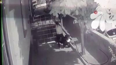 hirsiz -  Elektrikli motosikletin çalınma anı kamerada