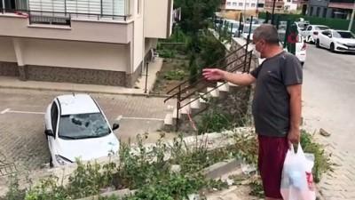 tahkikat -  Otomobil, istinat duvarından başka aracın üstüne uçtu