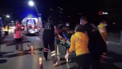 Otomobil önce yayaya sonra elektrik direğine çarptı:1 ölü 2'si ağır 4 yaralı