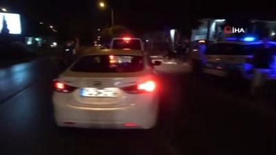 Antalya'da polis maske ve trafik denetimi  yaptı