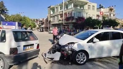 Samandağ'da iki otomobil birbirine girdi: 1 yaralı