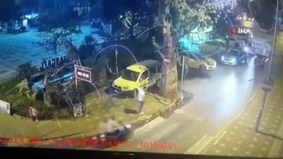 Bursa'da dehşet anları kamerada...Ön camını tekmeleyen saldırganı kaputun üzerinde emniyete götürdü