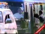 Trophy Türk otobüsüne Kenya'da saldırı anı!