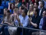 Obama Ve Cameron NBA Maçında Neler Yaptı?