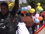 Milli Eğitim Bakanlığı (MEB) Önünde Sazlı Sözlü Protesto Etti