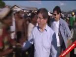 Dışişleri Bakanı Ahmet Davutoğlu, Myanmar'da Arakanlı Müslümanları Ziyaret Etti