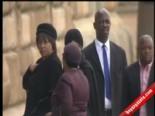 Nelson Mandela'nın Naaşı Ziyarete Açıldı
