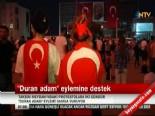 Taksim'deki 'Duran Adam' Twitter'da Gündem Oldu (Erdem Gündüz)