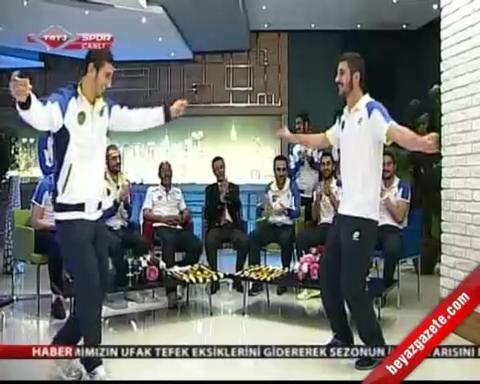 kamp gunlugu - Ankaragüçlü Futbolculardan 'Ankara Oyun Havası'