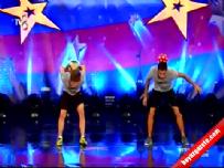 Yetenek Sizsiniz Türkiye, Eren Roı ve Hasan Can | Freestyle Gösterisi (25 Ekim 2014)