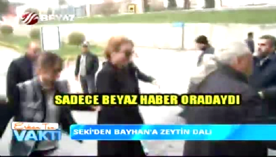 Deniz Seki'den popstar Bayhan'a mesaj var