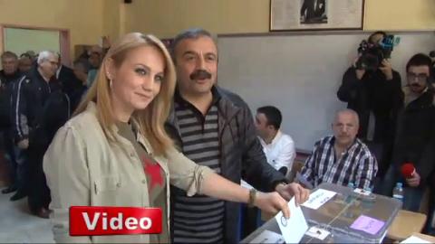pinar aydinlar - Sırrı Süreyya Önder, Kendine Oy Veremedi