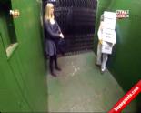 Asansörde yapılan ''Arı Şakası'' izleyenleri güldürüyor